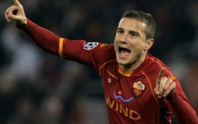 Matteo Brighi, centrocampista dell'AS Roma, ha riportato una frattura al perone: stagione finita
