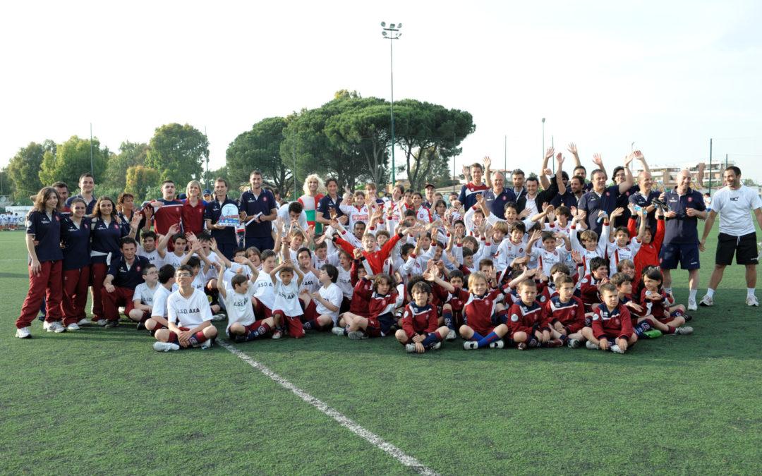 Grande successo per l'evento Calciolandia. Tanto pubblico al centro Longarina