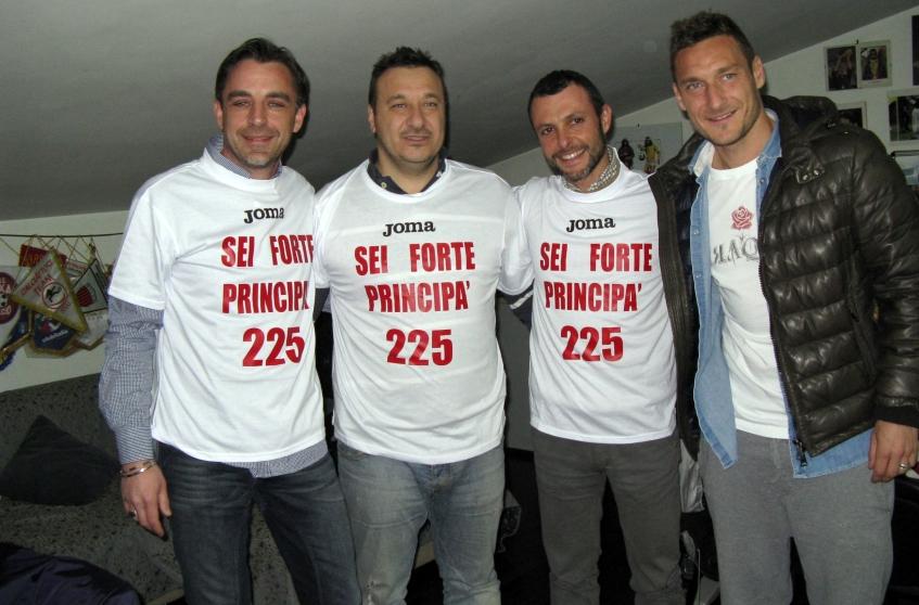 Polisportiva Roma | News Totti Soccer School – Alla Longarina si festeggia il Capitano per il suo record appena stabilito – 225 reti in Serie A… E non finisce qui