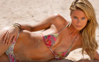 Kate Bock, splendida modella canadese, è la rookie dell'anno di Sport Illustrated Swimsult Issue 2013