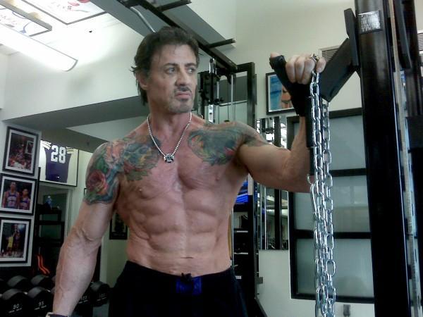 """Sylvester Stallone comincia a sentire il peso degli anni: """"Mi fa male tutto, ogni osso mi da dolori"""""""