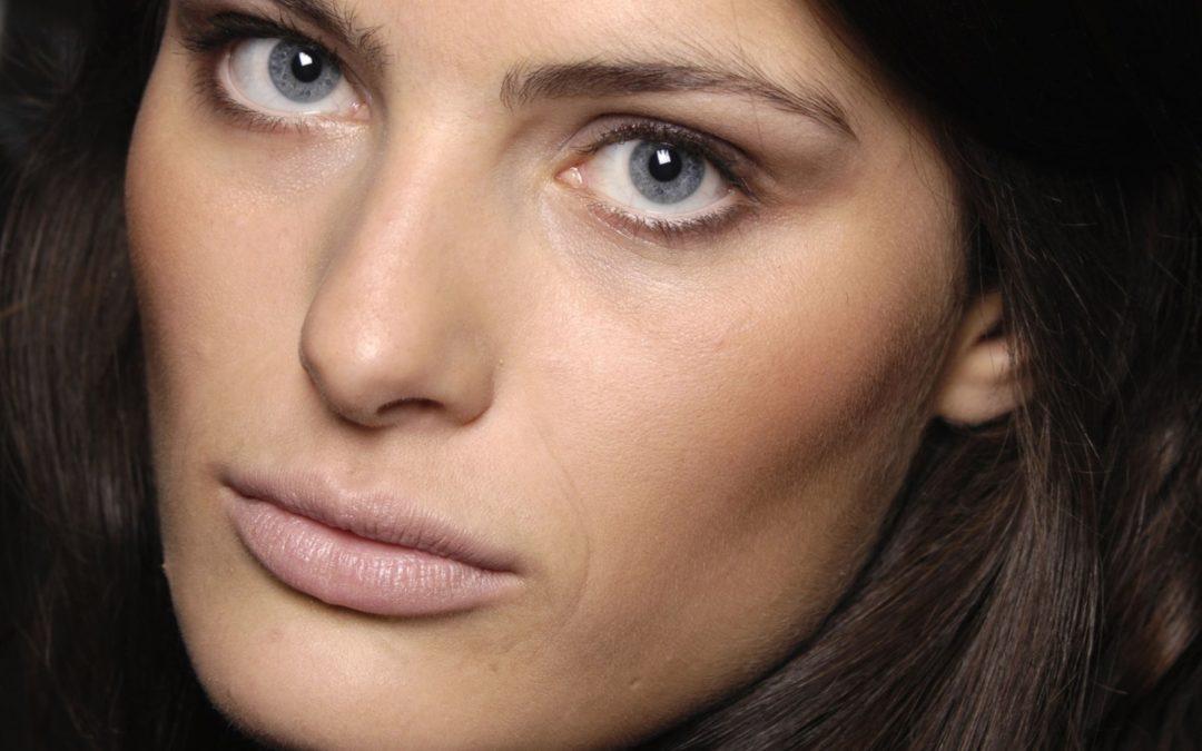 La splendida modella Isabeli Fontana è la protagonista dello spot di una famosa marca di gioielli, che imperversa in tv
