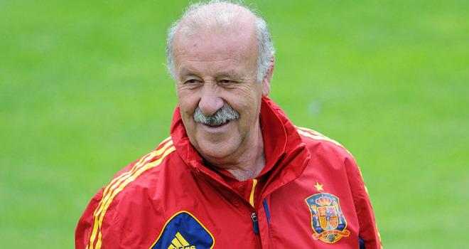 """Vicente Del Bosque lascerà la panchina della Spagna dopo Brasile 2014. Il tecnico, con le """"furie rosse"""", ha già vinto Mondiale e Europeo. Probabile futuro nella federazione spagnola"""