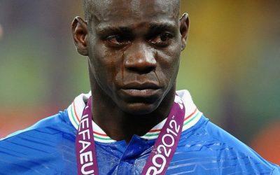 Per l'attaccante del Milan Mario Balotelli non c'è pace, furto nella sua villa