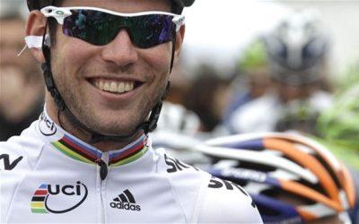 GIRO D'ITALIA – Mark Cavendish si aggiudica in volata la dodicesima tappa. Terzo successo in questo Giro e centesima vittoria complessiva. Wiggins soffre la pioggia ed esce di classifica