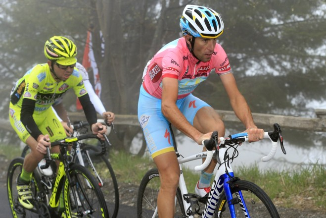 GIRO D'ITALIA – Mauro Santambrogio vince la 14/ma tappa del Giro d'Italia. Secondo Vincenzo Nibali che blinda il primo posto in classifica generale