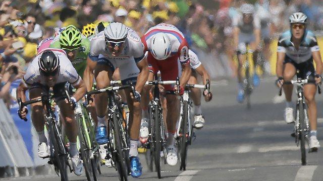 News Ciclismo | Tour de France – Il tedesco Marcel Kittel conquista la 12/a tappa in volata. Froome resta in Giallo