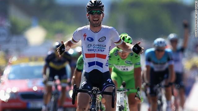 News Ciclismo | Tour de France – Vittoria facile per Cavendish, ma la notizia è vedere Froome in difficoltà e perdere oltre 1 minuto. Bene Contador