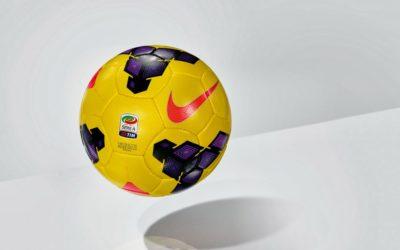 SERIE A – Anche il pallone si prepara al cambio di stagione: per l'inverno il Nike Incyte si colora di giallo