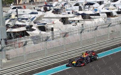 """F1 – Novità nel GP ad Abu Dhabi. E' Webber a conquistare la Pole Position e Vettel """"solo"""" secondo. Male come previsto le Ferrari. Alonso 11°"""