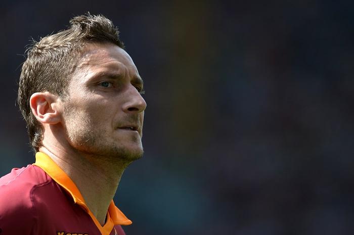 """AS ROMA NEWS – Totti e la nuova maglia firmata Nike: """"La vestirò ancora tanti anni"""""""