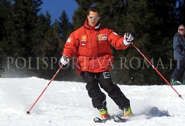 """F1 – Schumacher lotta contro la morte. """"Non possiamo fare previsioni sulle possibilità di sopravvivenza"""", le dichiarazioni del bollettino delle 11"""