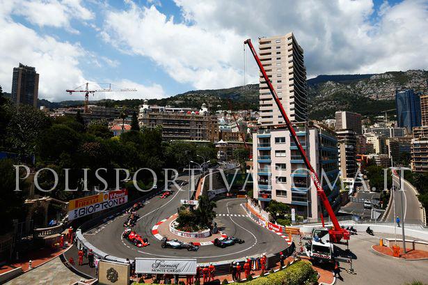 F1 – Nel Gp di MonteCarlo vince Rosberg davanti a Vettel. Hamilton furioso con il team