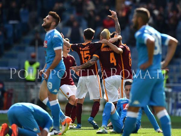 AS ROMA SERIE A – Entra Totti e Nainggolan a tempo scaduto segna. Il Napoli cade.