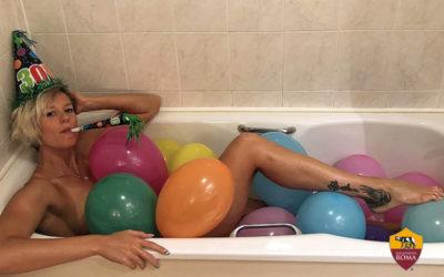 Federica Pellegrini festeggia i suoi 30 anni… in vasca